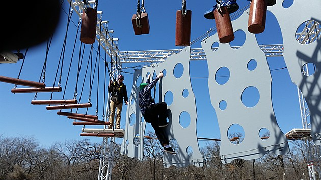 Airbound Ropes Course